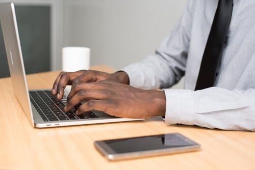 equipo-de-computo-para-empresas-laptops-ventajas